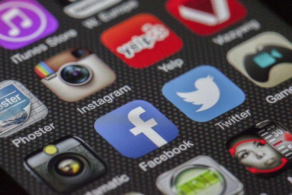 Sosyal Medya Ebeveynleri